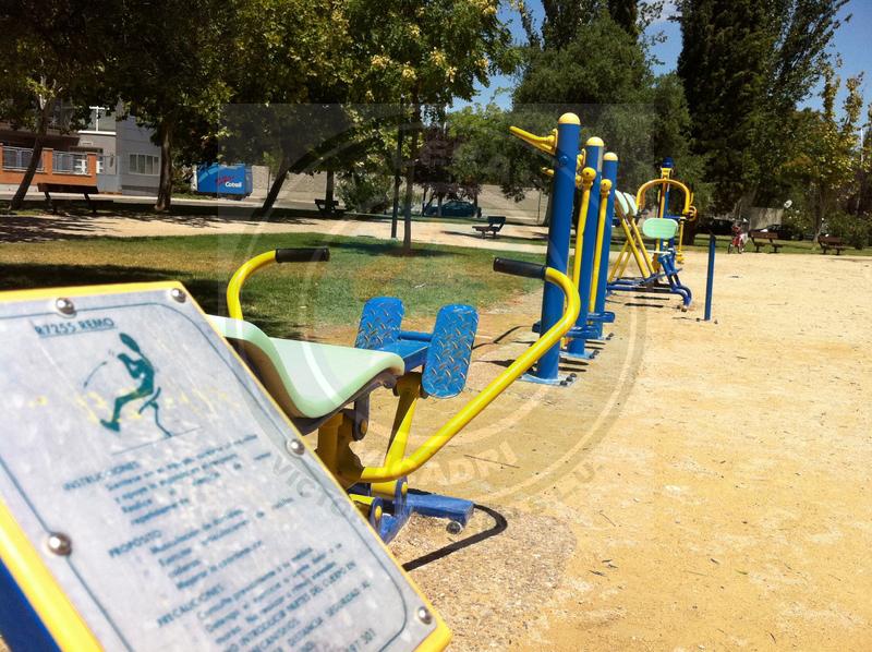 Pavimentos biosaludables pavimentos vicadri for Ver gimnasio